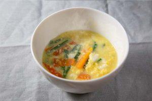 野菜ブイヨンを使ったスープ